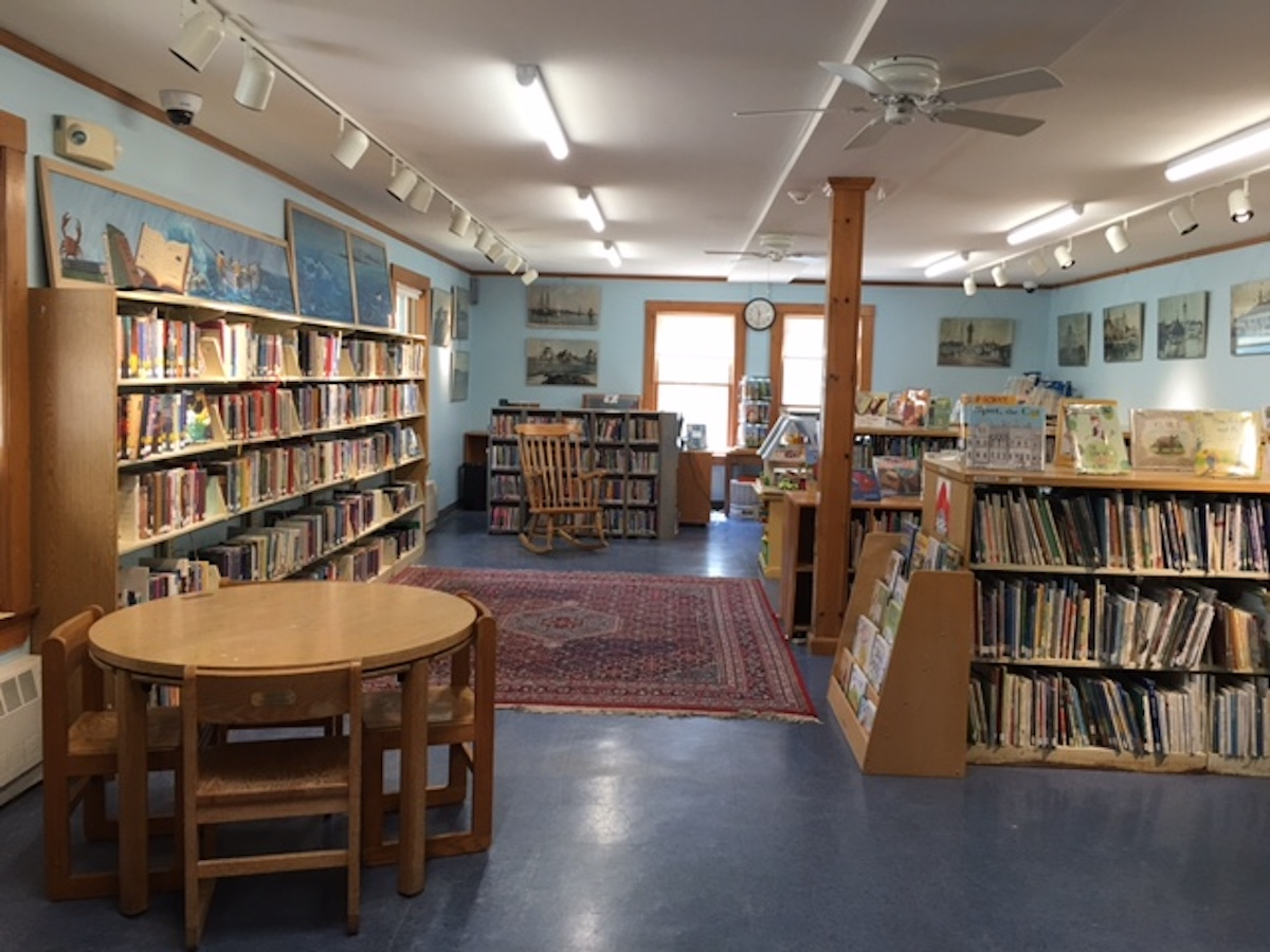 Hull Public Library Image 12