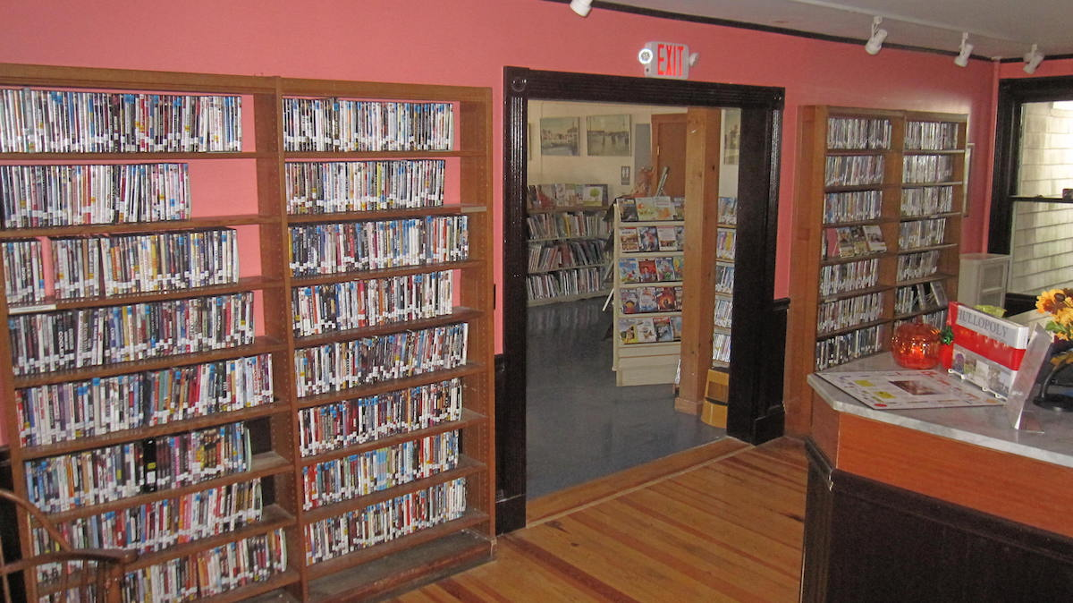 Hull Public Library Image 9